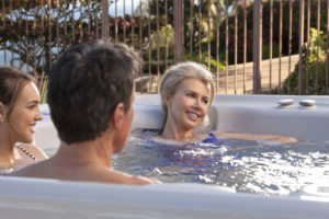 Hot-Spring-Highlife-2014-Grandee-NXT-Ice-Gray-Monteray-Gray-Lifestyle-Family-10